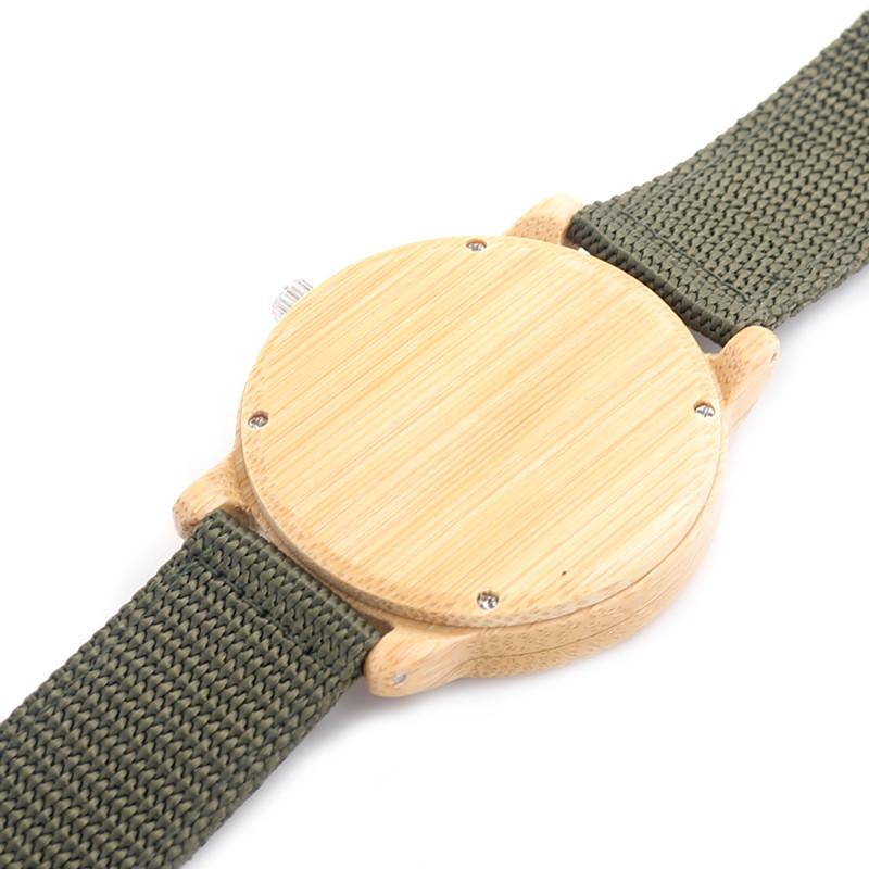 Ceas din lemn de bambus