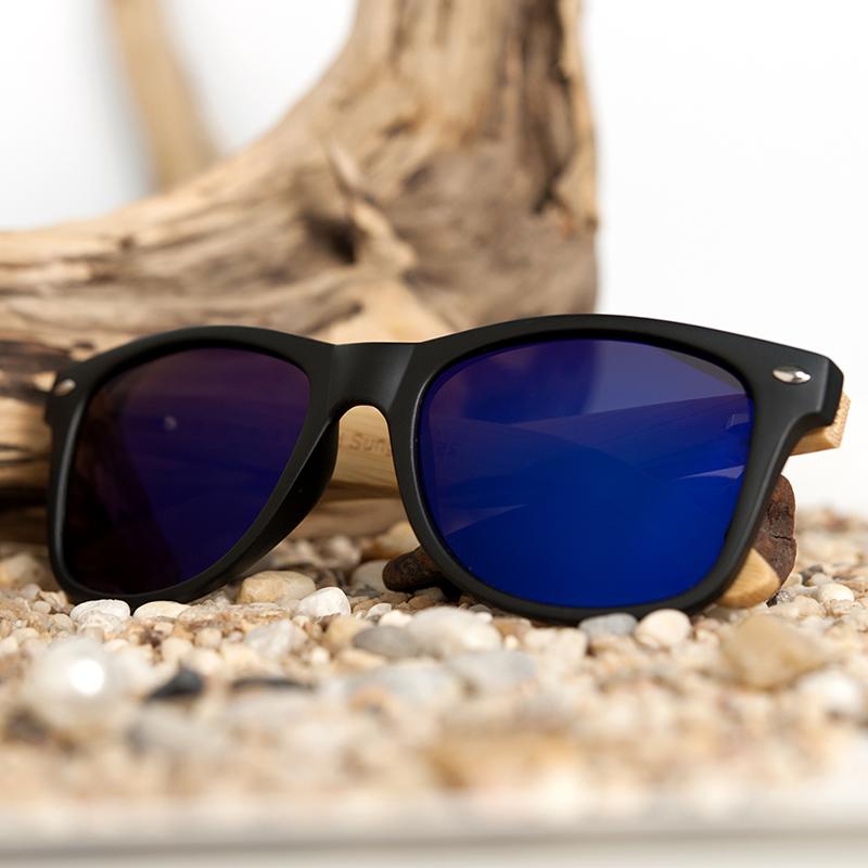 Ochelari de soare din lemn cu lentila albastra