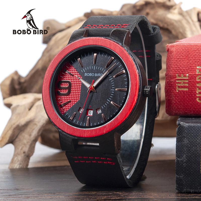 Ceas din lemn rosu