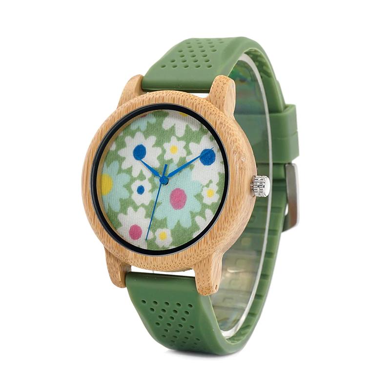 Ceas de mana din lemn de bambusBobo Bird cu flori si curea din silicon verde B04